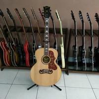 Gibson J200 Natural