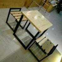 Meja dan 2 Kursi Kaki Besi Untuk Cafe Resto Murah