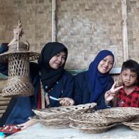 Kerajinan gambar piring anyaman Singkawang, Tanah Datar