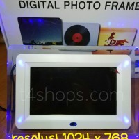 Digital Photo Frame 7 inch with LED Lights RESOLUSI TINGGI 1024x768