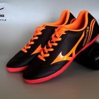 sepatu futsal mizuno hitam oranye 5 warna size 38 44