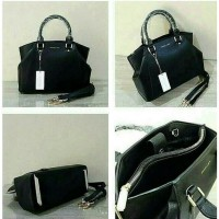 Tas Branded Merk Charles and Keith