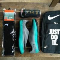 Paket komplit Sepatu futsal Nike CR7
