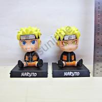 Pajangan mobil kepala goyang karakter boneka Naruto