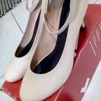 Jual sepatu high heels julia'r ivory (satu kali pakai) - second- bekas Murah