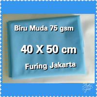 Biru Muda 75 gsm, UKURAN 40 x 50 cm kain Spunbond