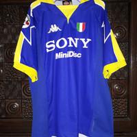 Juventus 1997-98 Away Montero Player Issue