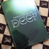 Obral Buku Novel Murah The Deep - Helen Dunmore (Ingo Series)