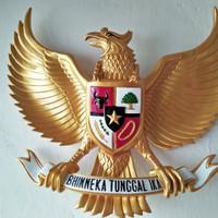 Patung Garuda Pancasila ukr 40x50