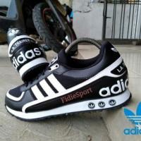 sepatu adidas /adidas La trainer II / adidas La trainer II impor