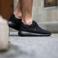 Sepatu Casual Kets Sekolah Nike Rosherun Full Hitam Black Cewe Cowo