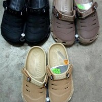 Sepatu Sandal Crocs Yukon Leather untuk Cowo / Pria / Laki2