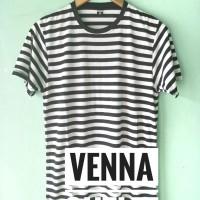 Stripe Hitam Putih - Kaos Strip - Kaos Stripe Black White - Kaos Polos