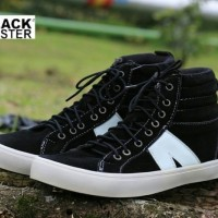 Sepatu sekolah Sneakers Pria Original Black Master Tinggi Hitam murah