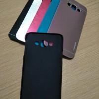 Hard Case Samsung Galaxy E7 Motomo