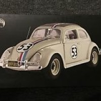 HOTWHEELS ELITE - 1:18 diecast - HERBIE the Love Bug - Volkswagen Beet