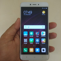 Xiaomi redmi 4x ram 2gb 16gb Gold Batangan