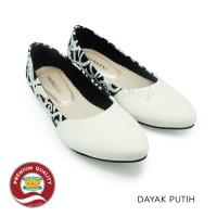 Sepatu Batik Wanita Ethnic Flat Shoes Dayak Putih The Warna Original
