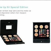 Grosir kosmetik murah/jual kosmetik/Wardah Make Up Kit Special Edition