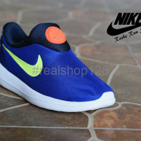 Sepatu Sport Cewek Nike Roshe Run Slip On Grade Ori RR20 Terbaru