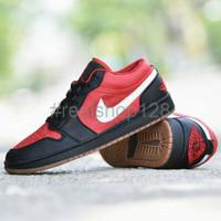 Sepatu Casual Nike Air Jordan Grade Ori Hitam Merah Pria Terbaru