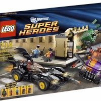 LEGO 6864 Super Heroes The Batmobile and the Two Face Chase