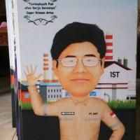 Cetak Poster Canvas Spanram 75x50 + Karikatur 1 Wajah