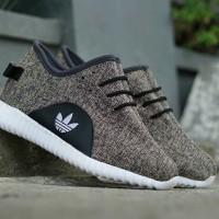 Sepatu terbaru Adidas Yeezy  - Coklat - Sport Casual Wanita
