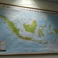 PETA INDONESIA Bingkai Kayu Lapis Kain