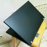 Laptop Second Lenovo Hitam 14