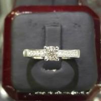Cincin Tunangan Solitaire Emas 18k Berlian Eropa Asli Putih Pernikahan