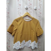 Atasan blouse katun bawah brokat model crop premium import kuning