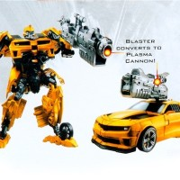 Robot Transformer Bumble Bee dan Optimus Prime Bisa Berubah jadi Mobil