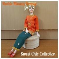 Boneka Barbie Pivotal Baju Adat Sumatra Barat (Minangkabau) 4 Orange