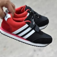 Sepatu Sport Anak Adidas Neo Kids Hitam Merah
