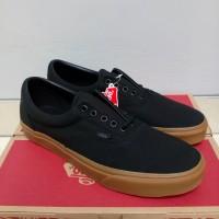 (BNIB) ORIGINAL Vans U Era Shoes - Black/Classic Gum