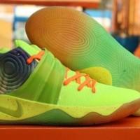 PRODUK BARU Nike Kyrie Irving 2 Sepatu Basket
