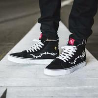 Sepatu Vans Sk8 Hi Peanuts Snoopy Bone Sneaker Skate BMX Grade Ori