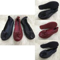 Sepatu Clarks Flat Pita Lebar Wanita