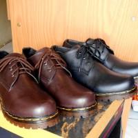 Sepatu Boots KULIT machoman pria wanita 3 lubang/ HITAM /COKLAT