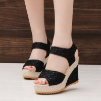 Sepatu Wedges | WEDGES BRUKAT ON29 HITAM | Wedges Hitam |Sepatu Wedges