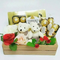 Sweetbox Parcel Valentine Coklat Ferrero Rocher Boneka Teddy Couple