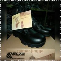 Sepatu Delta Force