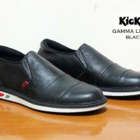 SEPATU SLIP ON KICKERS GAMMA BLACK LEATHER
