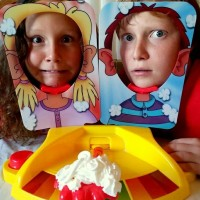 Jual Pie Face Showdown - mainan seru dan lucu Murah