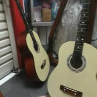 gitar Kapok Cream elegant murah meriah
