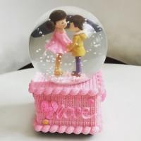 Kotak Musik Snow Globe Ball Bola Salju Kado Valentine Romantis Couple