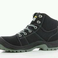 Sepatu Safety Jogger Desert hitam