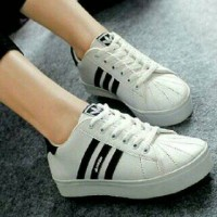 Sepatu Kets Adidas Replika KM35
