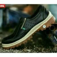 sepatu semi boots slip on safety coklat kerja lapangan pria